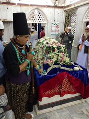Urus of Noorie Shah Baba Parel (firoze shakir photographerno1) Tags: urusnoorieshahbabaparel sufism rafaees sarkaralibabaismailshahbabadargahparel