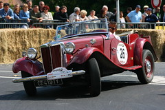 IMG_7391 (leroux.maximilien62) Tags: caen calvados normandie normandy france frankreich auto automobile mg rétrofestival car wagen 26