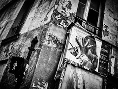 Icônes . (kitchou1 Thanx 4 UR Visits Coms+Faves.) Tags: exterior summer art cityscape paris street people landscape bw europe france world nb