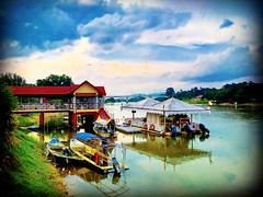 Kota Lama Kiri, Perak https://goo.gl/maps/CYNm9UuZAzJ2  #Boot #bateau #barco #barca #reizen #vakantie #voyage #viaggio #viaje #resa #Semester #Fiesta #Vacanza #Vacances #Reise #Urlaub #Asia #Malaysia #Kualakangsar #travel #holiday #traveling #trip #旅行 #度假 (soonlung81) Tags: kapal trip วันหยุด river vacanza boat เรือ путешествие malaysia 휴일 resa vakantie 馬來西亞 kualakangsar ボート 旅行 reise boot semester asia 여행 voyage perak reizen barca 보트 度假 лодка traveling 船 urlaub ホリデー barco bateau การเดินทาง праздник holiday travelmalaysia 亞洲 fiesta viaggio vacances viaje travel