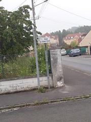 Le poteau a été changé rue du Grand Ferré