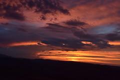 DSC_2937 (griecocathy) Tags: paysage coucher soleil montagne nuage ciel noir gris bleu rose jaune oranger saumoné or violet