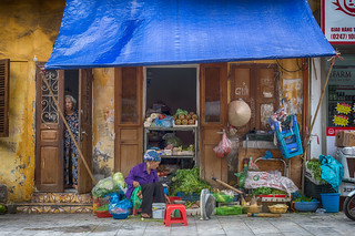 The Vegetables Seller (Hanoi, Vietnam. Gustavo Thomas © 2018)