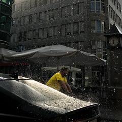 Rain! (knipserkrause) Tags: rain regen frankfurt gelb radler falschparker guesswhere guesswherefrankfurt