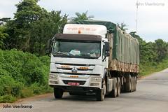 JV-2018-08-02-111 (johnveerkamp) Tags: trucks transport cote divoire ivory coast