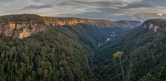 Last light in the Yarrunga Valley (keithhorton3) Tags: lastlight yarrungavalley fitzroyfalls newsouthwales australia view panorama nature sandstone cliffs woods eucalypts gumtrees rainforest lateafternoon