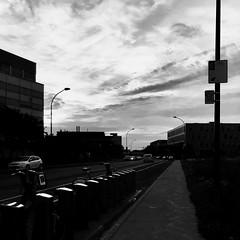 Les vélos ont déjà commencé leur journée... (woltarise) Tags: streetwise rosemont bixi vélos libreservice montréal stationnement matin ciel levée bâtiments iphone7