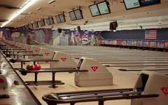 Waveland Bowl 4 (kumeck) Tags: 35mm film nikon n2000 agfa vista 200 bowling alley balls chicago