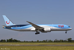 TUI Airways 787-9 G-TUIJ (birrlad) Tags: dublin dub international airport ireland aircraft aviation airplane airplanes airline airliner airlines airways approach arrival arriving finals landing runway boeing b787 b789 787 7879 dreamliner gtuij tui tuifly london gatwick tomson by9012 palmademallorca
