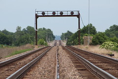 Final Countdown (CC 8039) Tags: atsf bnsf trains searchlight signal montrose iowa
