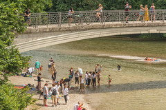 over and under (stevefge) Tags: 2018 deutschland duitsland germany isar munchen river strand bayern bavaria city summer zomer bridges cycling cycles bicycles water cooling people candid street girls beach railings arch unsuspectingprotagonists reflectyourworld park family munich