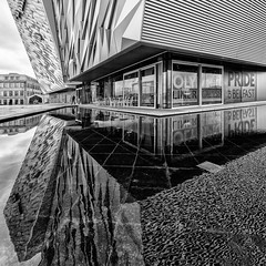 Pride of Belfast (Leipzig_trifft_Wien) Tags: belfast titanic museum building architecture outside wideangle reflaction water mirror modern contemporary city urban monochrome blackandwhite bnw bw black white