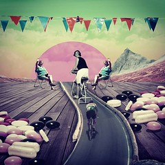 Relancer l'intérêt ? #tdf2018 #tourdefrance #cyclisme #dopage #doping #pills #vélo #amateur #media #course #foule #populaire #collage #lyonarty (slip_) Tags: iamslip slip collage art collagist daily relancer l'intérêt tdf2018 tourdefrance cyclisme dopage doping pills vélo amateur media course foule populaire lyonarty