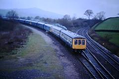 Merrymaker (ee20213) Tags: hopevalleyline merrymaker chinleyeastjunction dmu freightonly class108 br britishrail class104
