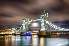 Moon between Tower Bridge (Schmidtchen Schleicher) Tags: london towerbrigde nightgame fullmoon longtimeexposure themse nacht reise hdr colour lights citylights