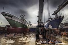 Almost ready to sail (marcello.machelli) Tags: rosso shipyard cantiere cantierenavale nikon tokina nikond810 sanbenedettodeltronto harbor porto boat barca nave ship fishingboat pechereccio nuvoloso mare sea fisherman pescatori pesca