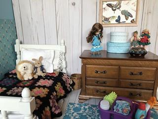4. Julie's tidy room