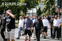 Rudolf-Heß-Gedenkmarsch 2018: Mord verjährt nicht! Gebt die Akten frei! Recht statt Rache  und Gegenprotest: Keine Verehrung von Nazi-Verbrechern! NS-Verherrlichung stoppen! – 18.08.2018 – Berlin –IMG_6078 (PM Cheung) Tags: rudolfhessmarsch wwwpmcheungcom berlin mordverjährtnichtgebtdieaktenfreirechtstattrache neonazis demonstration berlinspandau spandau friedrichshain hesmarsch rudolfhes 2018 antinaziproteste naziaufmarsch gegendemonstration 18082018 blockade npd lichtenberg polizei platzdervereintennationen polizeieinsatz pomengcheung antifabündnis rechtsextremisten protest auseinandersetzungen blockaden pmcheung mengcheungpo pmcheungphotography linksradikale aufmarsch rassismus facebookcompmcheungphotography keineverehrungvonnaziverbrechernnsverherrlichungstoppen antifaschisten mordverjährtnicht rudolfhesmarsch sitzblockaden kriegsverbrechergefängnisspandau nsdap nskriegsverbrecher geschichtsrevisionismus nsverherrlichungstoppen hitlerstellvertreterrudolfhes 17august1987 rathausspandau ichbereuenichts b1808 festderdemokratie verantwortungfürdievergangenheitübernehmen–fürgegenwartundzukunft rudolfhessmarsch2018 rudolfhesgedenkmarsch rudolfhesgedenkmarsch2018