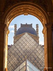 les parallèles du Louvre (Flox Papa) Tags: les parallèles du louvre paris france monuments floxpapa florent péraudeau papa flox