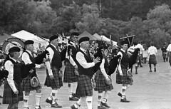 allegany county celtic Festival (rentavet) Tags: analog nikkormatel nikkor105mm ilfordsurveillancefilm rodinalsemistanddevelopment1200 orangefilter cubany 100asa