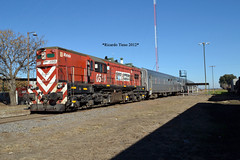 6584-Coronel Granada_1 (Ricardo_Tieso) Tags: general motors gr12 6584 ferroexpreso pampeano tren ferrocarril coronel granada