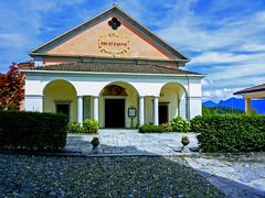 Cossogno (Vb) - Chiesa di San Brizio (frank28883) Tags: cossogno verbanocusioossola verbano valgrande parcovalgrande chiesa cielo nuvole archetti colonne pronao
