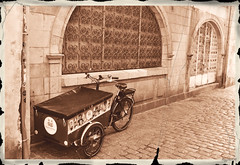 Old time delivery (ericbaygon) Tags: monochrome sepia monochromia tricycle trike bike old vintage rochelle france nikon d750 pierre stone pavé rue livraison
