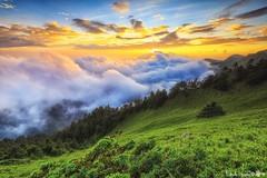Hehuan Mt. ~SUNRISE ~合歡主峰~夕陽雲海 (Estrella Chuang 心星) Tags: 合歡山 合歡主峰 夕陽 雲海 心星 estrella sky clouds sunrise