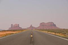 Monumental Fata Morgana (Sven Bonorden) Tags: monumentvalley utah strase street highway highway163 rocks felsen landscape