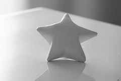 petite sculpture (karine_cattier) Tags: star monochrome 7daysofshooting handmade bwwednesday cmwd