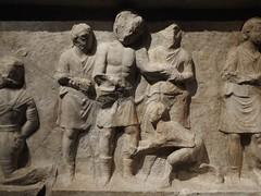 Bas relief scènes de spectacle de gladiateurs (Marcus Valerius Martialis) Tags: homme basrelief sculpture museedelaromanité expositiontemporaire noiretblanc gladiateur