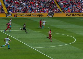 Liverpool v West Ham 12.8.18 Mo Salah Skipping away