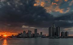 Detroit sunset (Alan10eden) Tags: windsor detroit canada usa sunset evening dusk sunburst city america river sundown summer canon 80d sigma 1770mm alanhopps