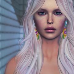 Fully Present (WrenNoir Cerise) Tags: secondlife slavatar femaleavatar avatar akeruka navycopper slface bentoshape