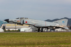57-8357, McDonnell Douglas F-4EJ Kai Japan Air Self Defence Forces @ Gifu RJNG (LaKi-photography) Tags: flugzeug plane avion aircraft jet fighter flughafen flugplatz airport airfield airbase aeroporto aeropuerto luftwaffe airforce jasdf jagdflugzeug japanairselfdefenceforces forcaaerea japaneseairforce japan nippon mcdonnelldouglas f4 f4phantom gifu rjng honshu military militär aviaciónmilitar aviation aviación luftfahrt spotting canon