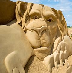 Sandskulpuren Waterfront 09 (akumaohz) Tags: nikon d3200 deutschland germany bremen waterfront sand skulptur sculpture drausen outside der löwe und die maus