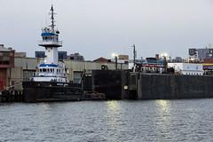 r_180816361_beat0069_a (Mitch Waxman) Tags: gowanus gowanusbay newyorkcity newyorkharbor tugboat newyork