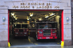 FDNY Engine 221 · Ladder 104 (Triborough) Tags: ny nyc newyork newyorkcity kingscounty brooklyn williamsburg fdny newyorkcityfiredepartment firetruck fireengine engine engine221 seagrave ladder ladder104 tiller tda