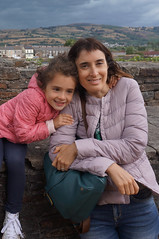 Portrait of Serena and Alice (Laocoonte) Tags: caerphilly castello castle galles nex3n sony uk wales
