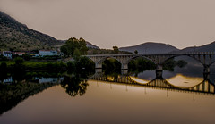 The Douro river and bridge of Portugal before sunrise. (ost_jean) Tags: sunrise nikon d5300 tamron sp af 1750mm f28 xr di ii vc ld aspherical if b005n ostjean portugal guarda barcadealva douro river longexposure bridge brug pont