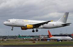 EC-HTD (Ken Meegan) Tags: echtd airbusa320214 1550 vuelingairlines dublin 3172018 vueling airbusa320 airbus a320214 a320
