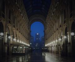 CAVE (stefanjurca) Tags: milan milano italy italia stefan stefanjurca ștefan jurca jurcă