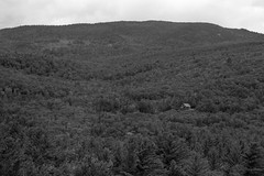 Lonely House (BenG94) Tags: newhampshire canon 7d markii lonely house black blackandwhitephotography blackandwhite whitemountains