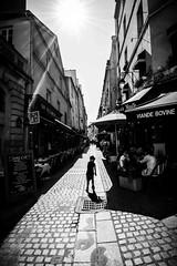 Black&White Paris street (damiencorrephoto) Tags: bnw urbain urban rue street monochrome blanc noir white black enfant silhouette child