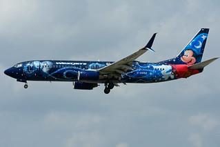 C-GWSZ (WestJet - Disney)