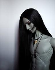 Dark shadow... (Shao-ron) Tags: bjd bjdphotography bjdphoto balljointeddoll dollfie spiritdoll spiritdolldark dark darkwonderland shadow demon devil
