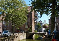 Huis Tinnenburg in Amersfoort (joeke pieters) Tags: 1410733 panasonicdmcfz150 amersfoort utrecht nederland netherlands holland huistinnenburg gracht canal brug bridge hek fence hff