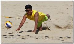 Volley Playa - 027 (Jose Juan Gurrutxaga) Tags: file:md5sum=3960e5e760f599d0b8554579c7f9e21f file:sha1sig=b11e271eaf8c626573b96fca06c9b09ab222e925 volley playa beach hondartza boleibol voleibol semana grande zurriola donostia