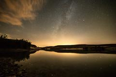 Embalse de Valdemudarra (Juaberna) Tags: embalse estrellas nocturna via lactea
