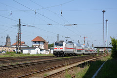 146 560-8 (n4fade) Tags: köthenanhalt sachsenanhalt deutschland de 1465608 baureihe146 baureihe1465 eisenbahn elok drehstrom railway rail railroad train zug personenzug ic ic2 intercity db dbfernverkehr wendezug pushpull doppelstock pilzlampen stellwerk stellwerkw3 signal signale formsignal flügelsignal köthen köthenhbf d7100 nikond7100 n4fade michaeleklas michaelklas michaelklass tigeriltis traxx traxxp160ac2 bombardier